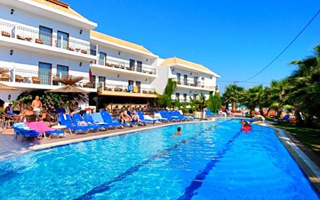 Almyrida Beach Hotel & Studios 5