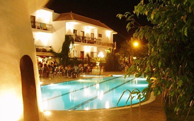 Almyrida Beach Hotel & Studios 7