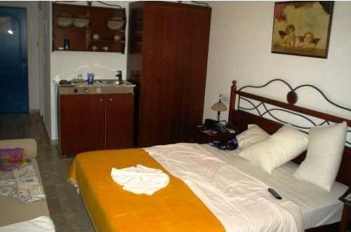 Almyrida Beach Hotel & Studios 9