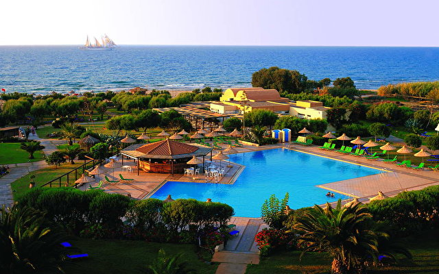 Anissa Beach Hotel & Village 1
