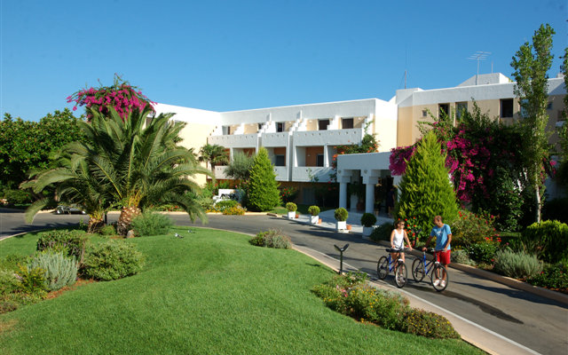 Anissa Beach Hotel & Village 3