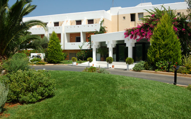 Anissa Beach Hotel & Village 4