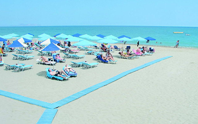 Pearl Beach 4