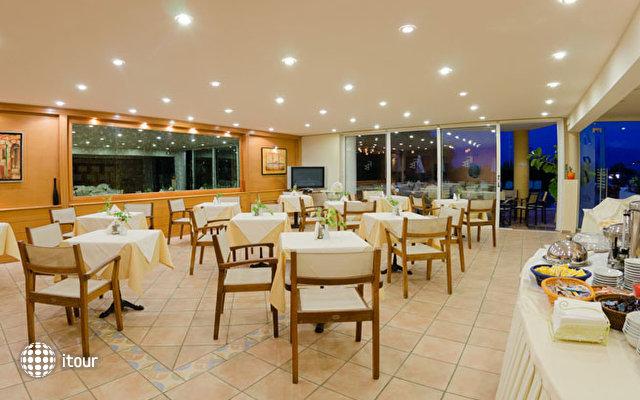 Faedra Beach Resort 7