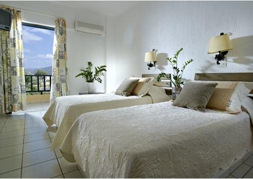Malia Bay Beach Hotel & Bungalows 8