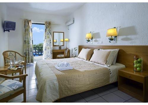 Malia Bay Beach Hotel & Bungalows 10