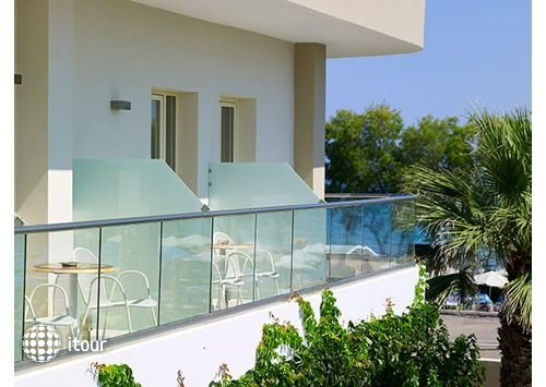 Malia Bay Beach Hotel & Bungalows 2