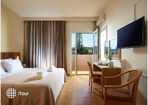 Malia Bay Beach Hotel & Bungalows 9