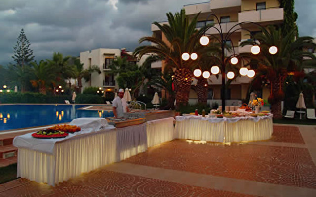 Zephyros Beach Hotel 3