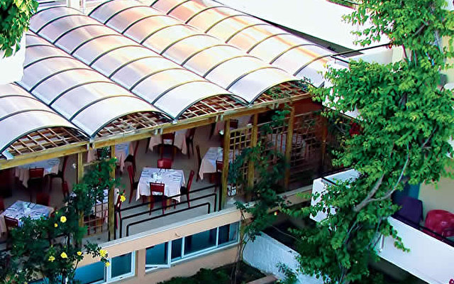 Zephyros Beach Hotel 10