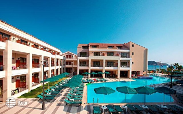 Port Platanias Beach Resort 3
