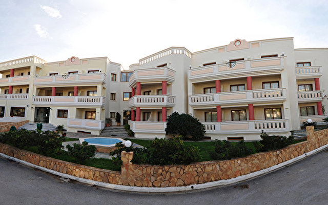 Aphrodite Beach Hotel  4