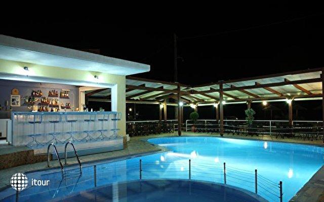Fereniki Holiday Resort  7