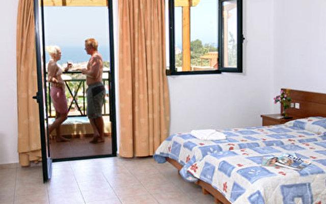 Asterias Village Apartment Hotel  10