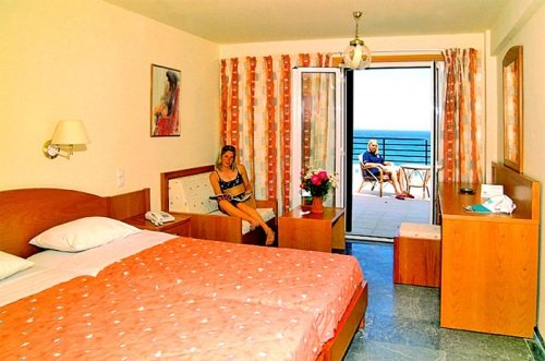 Themis Beach 8