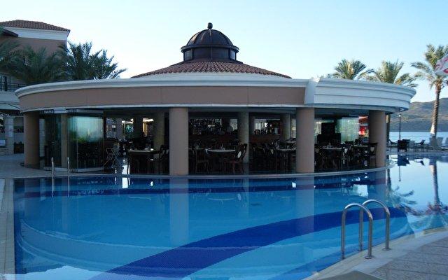 Alexandra Beach Resort 7