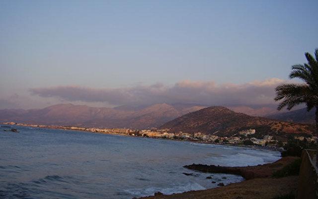 Sentido Blue Sea Beach 9