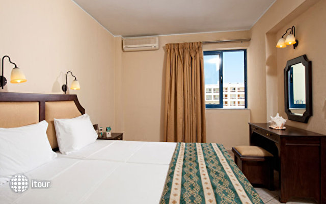 Manos Maria Hotel & Apartments 7