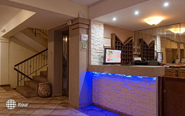 Manos Maria Hotel & Apartments 4