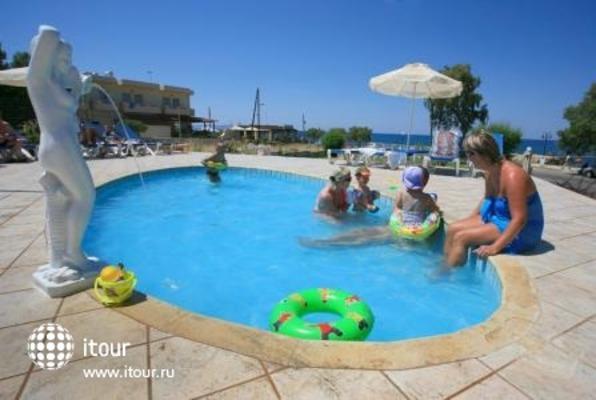 Cretan Filoxenia Beach 10
