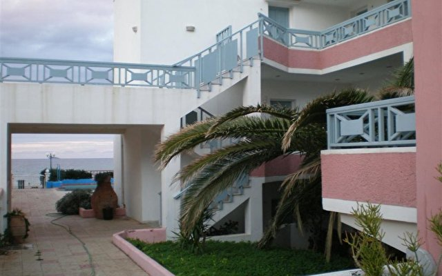 Coralli Beach Apartments 6