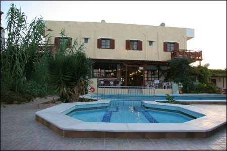 Iraklis Apartmens 2