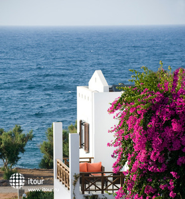 Maritimo Beach Hotel 7