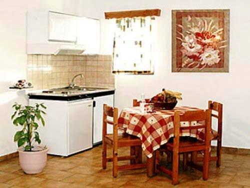 Oleander Studios & Apartments 4