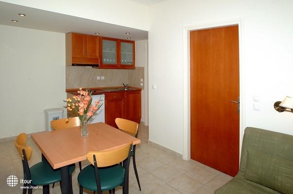 Mary Apartments 5