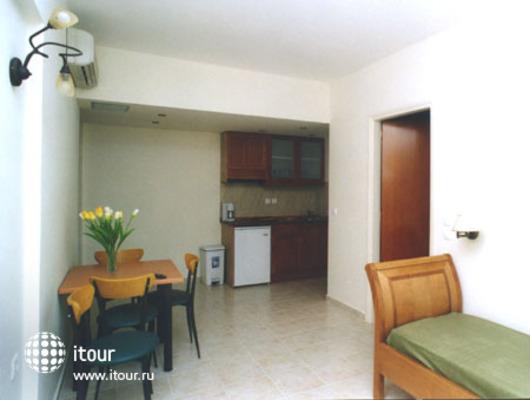 Mary Apartments 7