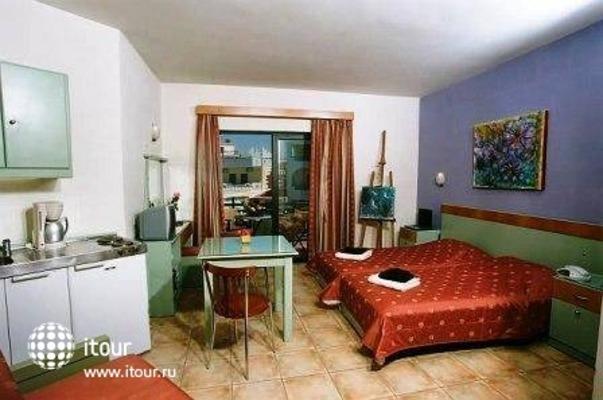 Nireas Hotel 5