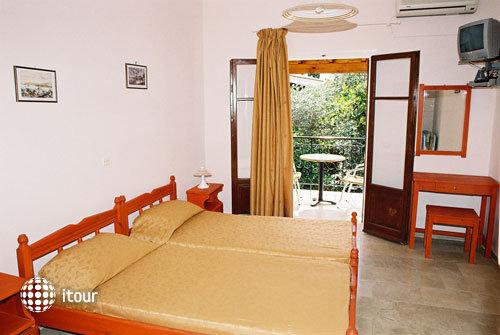 Konstantinos Apartments 4