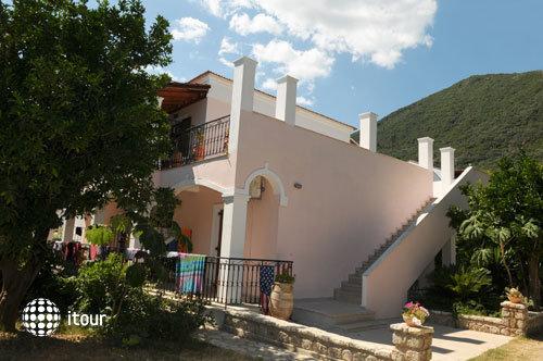 Konstantinos Apartments 1