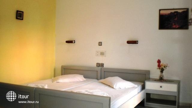 Sirena Apartments 9