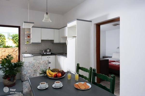 Kiriakos Holiday Apartments 6