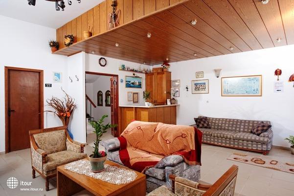 Kiriakos Holiday Apartments 7