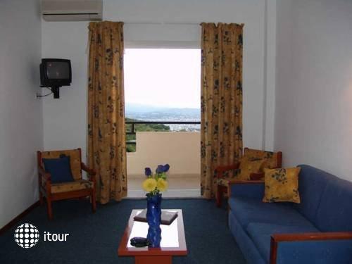 Monte Vardia Hotel 4