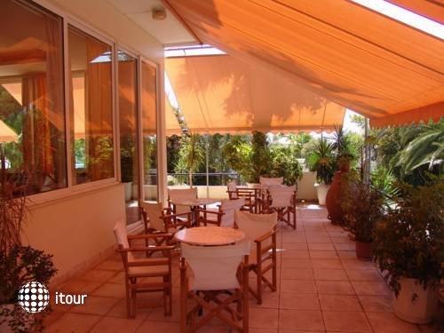Monte Vardia Hotel 8