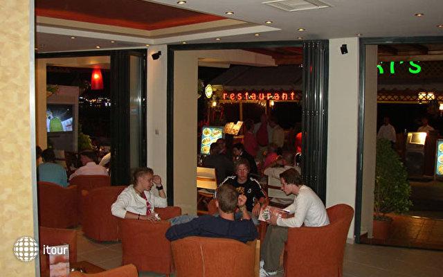 Nikis Hotel 1