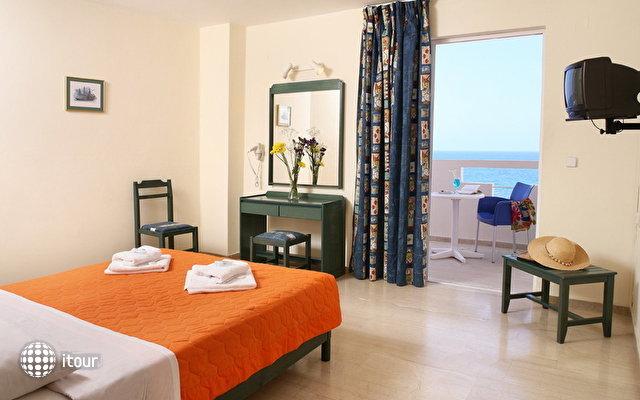 Evelyn Beach Hotel 1