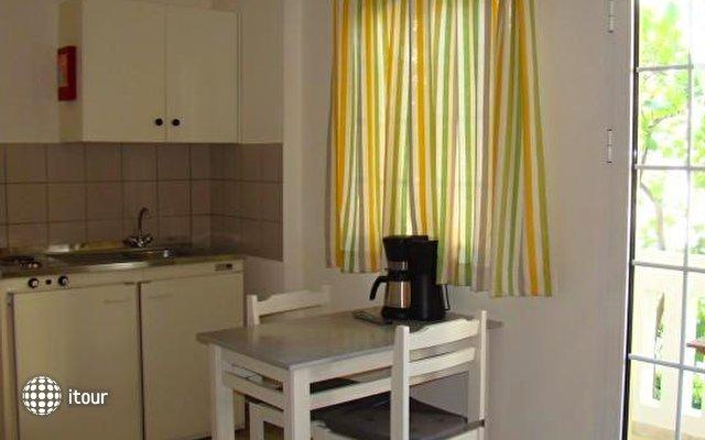 Diamond Apartments & Suites 8