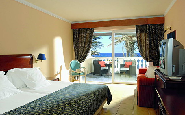 Radisson Blu Beach Resort (ex. Minos Imperial) 5