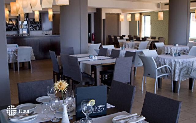 Alexis Hotel 5