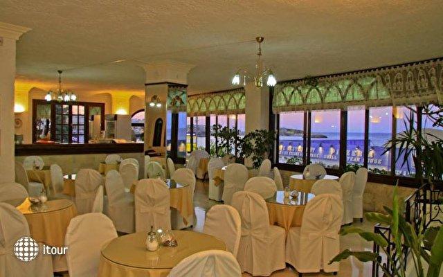 Flisvos Beach Hotel 10