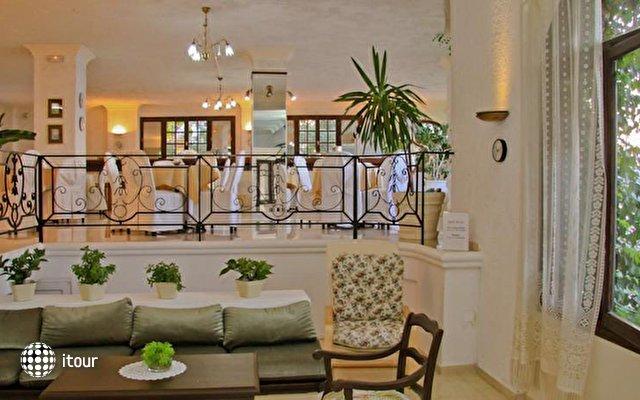 Flisvos Beach Hotel 9