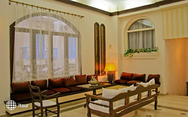 Flisvos Beach Hotel 8
