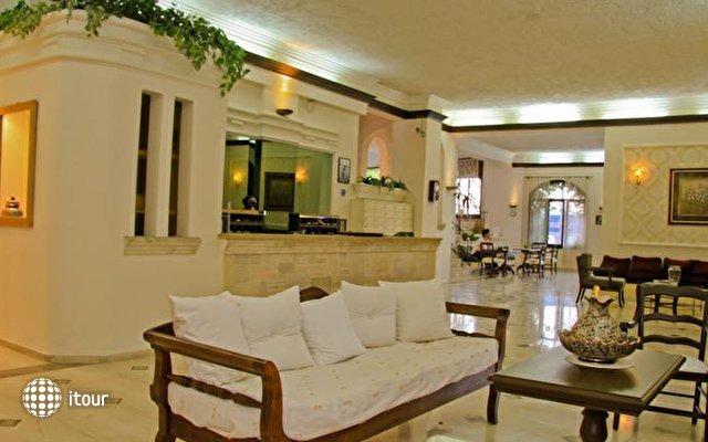 Flisvos Beach Hotel 7