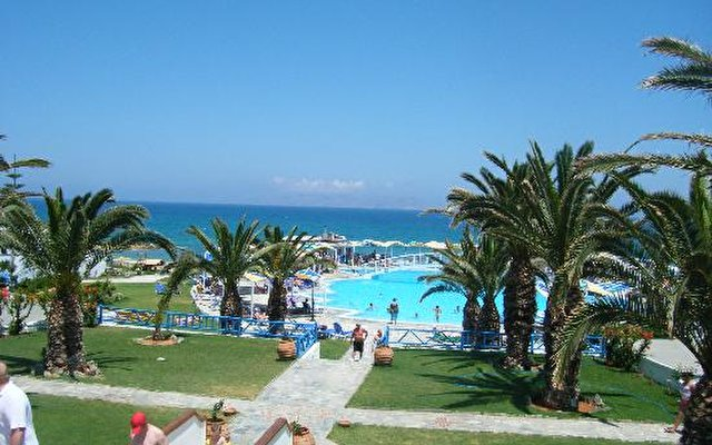 Mitsis Rinella Beach Resort & Spa 10
