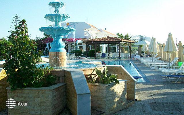Nirvana Beach Hotel 5