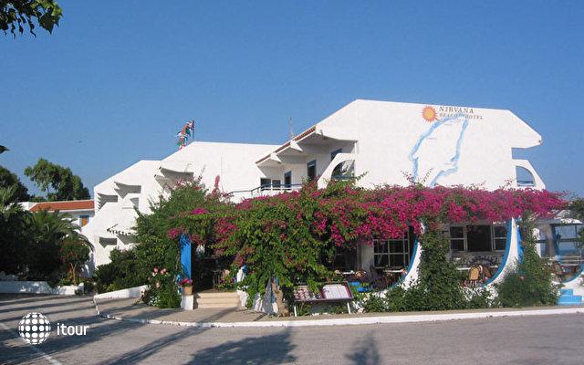 Nirvana Beach Hotel 3